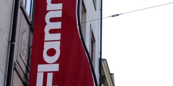 Roter Ausleger von Grünewald-Werbung