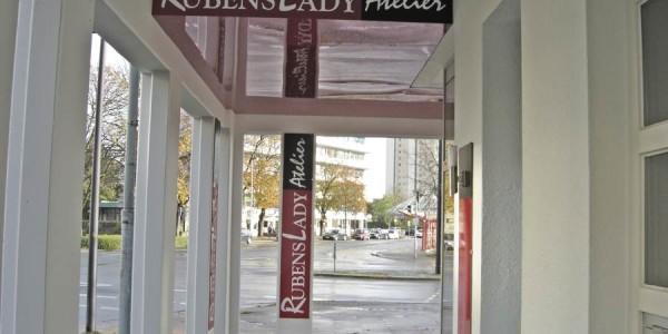 Schilder in verschiedenen Größen mit dem gleich Design - Grünewald-Werbung