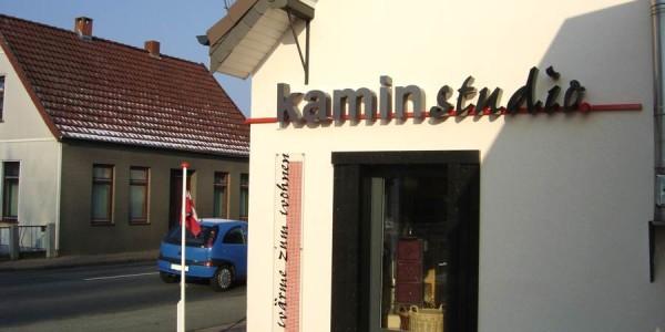 Elegante 3D Buchstaben von Grünewald-Werbung
