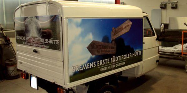 Auffällige Fahrzeugwerbung von Grünewald Werbung und Bremen