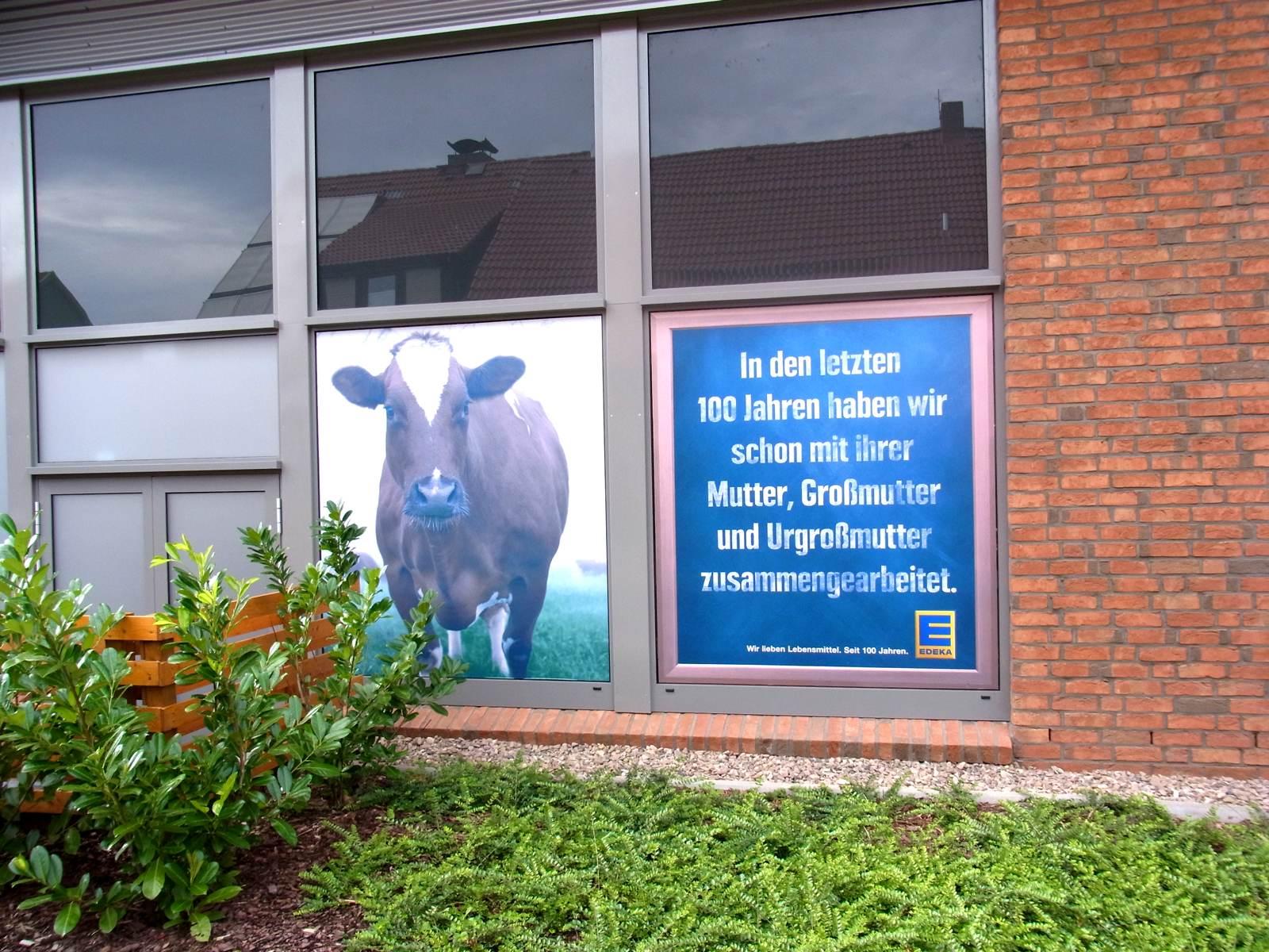 Fensterbeschriftung eines Fesnters vom EDEKA in Bremen